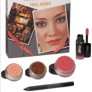 bareMinerals Trend Report Frill Seeker + BITE Kit